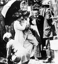 1913 Mrs Pankhurst Collapses after Force Feeding