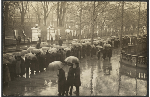 1917 Demonstrators at White House during Wilson's second inauguration, March 4