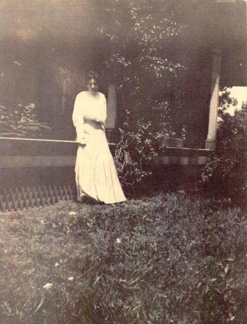 1905 Paulsdale Lawn