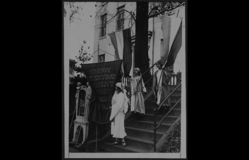 1922 dedicate Belmont House