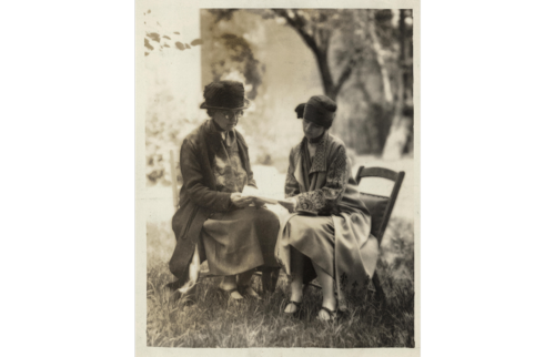 1923 Miss Zonia Baber, rep US of the women of Puerto Rico, consulting with Mrs. Burnita Shelton Matthews, Legal Research Secretary of the NWP