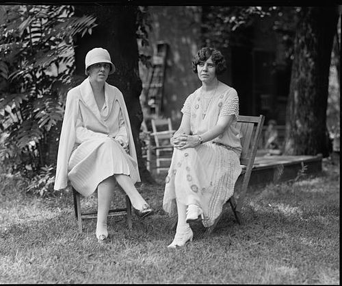1925 Mrs Dudley Fielld Malone and Miss Paul