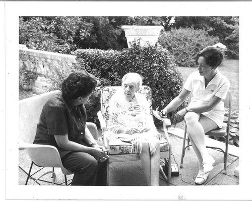 1976 Alice Paul with nurse